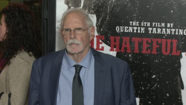 """bruce dern at """"the hateful eight"""" world premiere at arclight cinemas on december 07, 2015 in hollywood, california. - arclight cinemas hollywood stock-videos und b-roll-filmmaterial"""