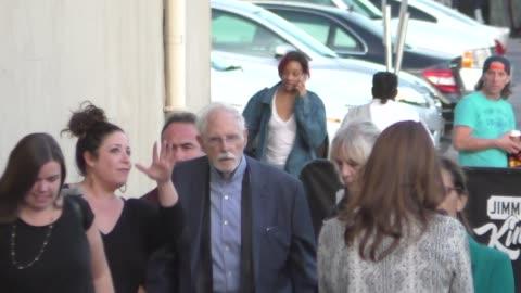 stockvideo's en b-roll-footage met bruce dern outside jimmy kimmel live in hollywood at celebrity sightings in los angeles on december 07, 2015 in los angeles, california. - jimmy kimmel