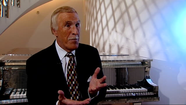 bruce forsyth interview on 80th birthday; bruce forsyth interview sot - talks about being eighty / has enjoyed life in showbiz and wanted to be a... - television game show stock-videos und b-roll-filmmaterial