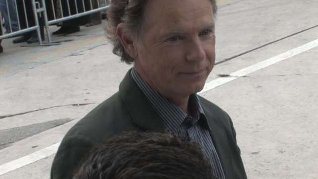 bruce greenwood at the premiere of 'super 8' in westwood on 6/8/2011 - filmpremiere stock-videos und b-roll-filmmaterial