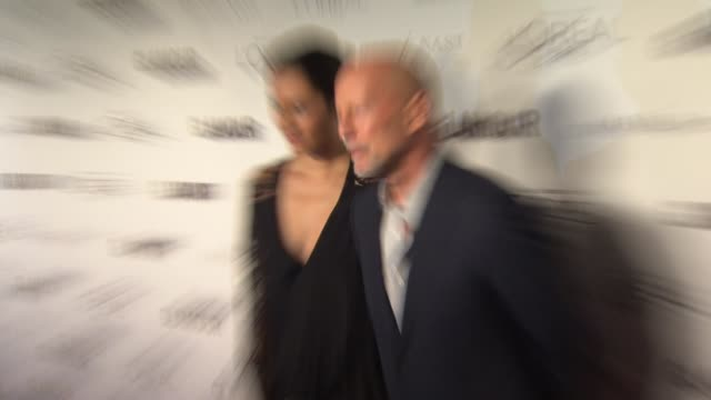 bruce willis and emma heming at glamour magazine's 24th annual women of the year awards at carnegie hall on november 10 2014 in new york city - bruce willis stock-videos und b-roll-filmmaterial