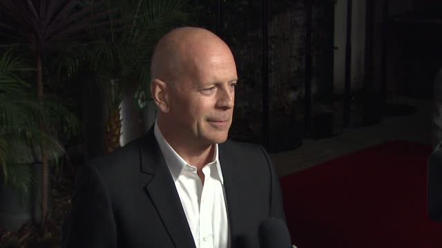 bruce willis at i'll eat you last a chat with sue mengers opening night in los angeles ca on 12/5/2013 - bruce willis stock-videos und b-roll-filmmaterial