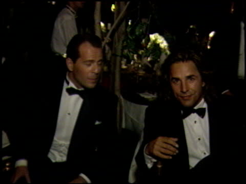 bruce willis at the 1989 academy awards ball at the shrine auditorium in los angeles california on march 29 1989 - bruce willis stock-videos und b-roll-filmmaterial