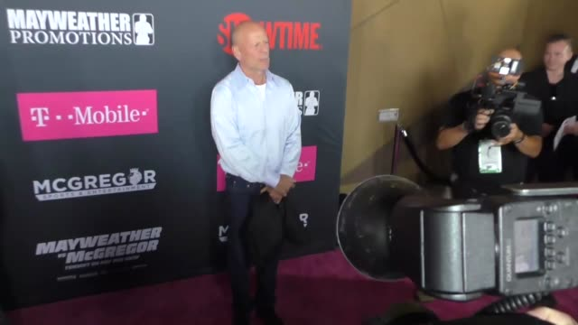bruce willis at the floyd mayweather jr vs conor mcgregor bout preevent vip party magenta carpet on august 26 2017 in las vegas nevada - bruce willis stock videos and b-roll footage