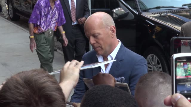 bruce willis at the 'good morning america' studio in new york ny on 7/16/13 - bruce willis stock-videos und b-roll-filmmaterial