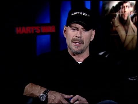 bruce willis at the 'hart's war' junket with bruce willis on february 4 2002 - bruce willis stock-videos und b-roll-filmmaterial