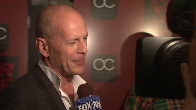 bruce willis at the the cinema society & oc concept host a screening of 'red' at new york ny. - モービー点の映像素材/bロール