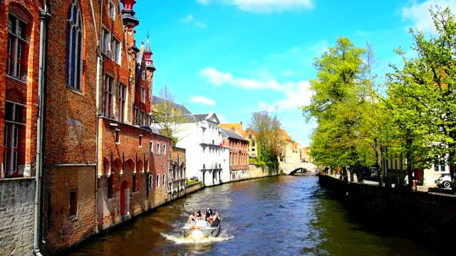 vidéos et rushes de bruges, belgique - canal eau vive
