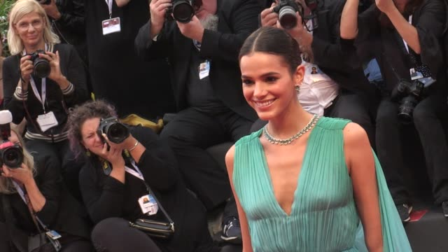 bruna marquezine and more on the red carpet for the premiere of a star is born in venice - フォトコール点の映像素材/bロール