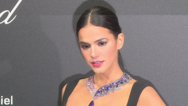 vídeos de stock, filmes e b-roll de bruna marquezine at chopard party the 71st annual cannes film festival on may 11 2018 in cannes france - cannes