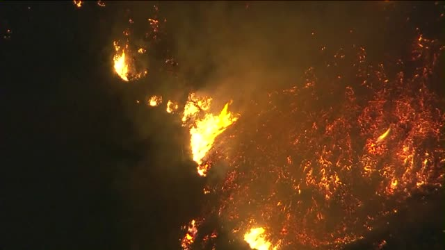 ktla a brush fire broke out in malibu threatened several structures the fire began three miles north of pacific coast highway near mulholland highway - malibu stock videos & royalty-free footage