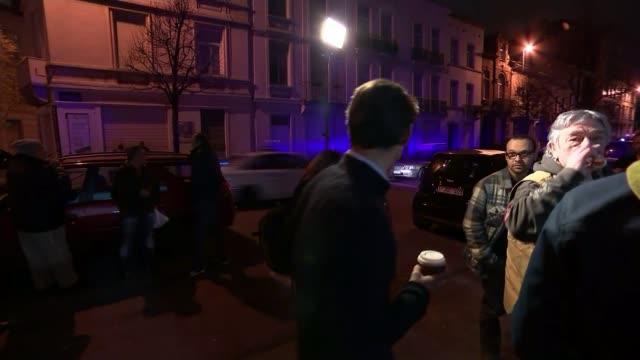 vidéos et rushes de funeral of muslim victim loubna lafquiri reveals the other side of molenbeek; belgium: brussels: molenbeek: ext at night street at night track... - religion