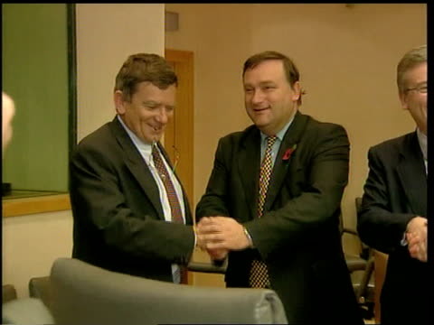 brussels: int british agriculture minister nick brown mp shaking jean glavany to european union's health and consumer protection commissioner, david... - landwirtschaftsminister stock-videos und b-roll-filmmaterial