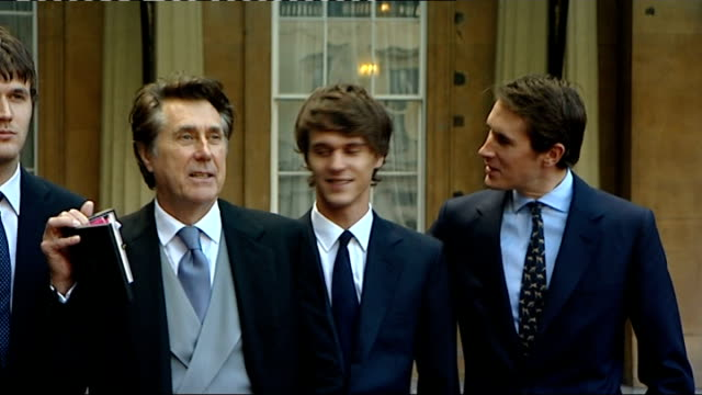 Bryan Ferry becomes CBE / Olympic cyclist Mark Cavendish becomes MBE ENGLAND London Buckingham Palace EXT Bryan Ferry photocall holding CBE medal/...