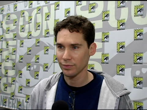 bryan singer on screening a few minutes of the film at comiccon having to leave 'x men 3' to work on 'superman' how he is a big fan of the superman... - brandon routh bildbanksvideor och videomaterial från bakom kulisserna