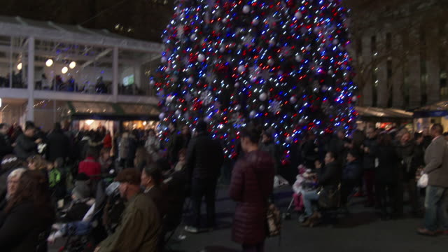 bryant park, nyc winter village - christmas lights & decorations - bryant park stock videos & royalty-free footage