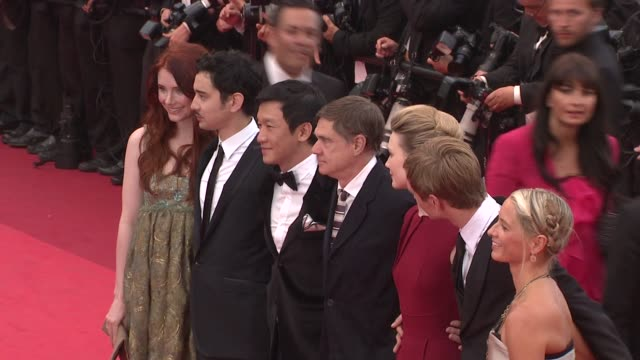 bryce dallas howard, gus van sant, screenwriter jason lew, mia wasikowska, henry hopper and schuyler fisk at the sleeping beauty premiere - 64th... - scriptwriter stock videos & royalty-free footage