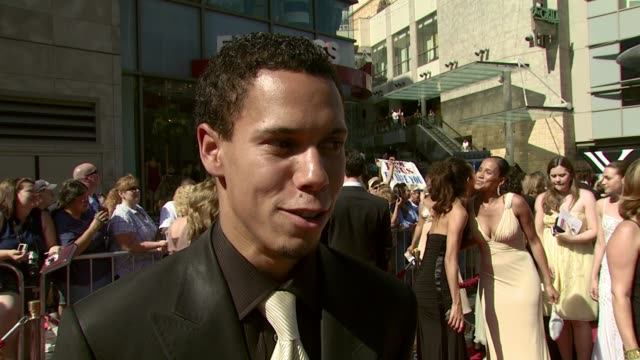 vidéos et rushes de bryton mcclure on his nomination, the first time he was recognized by a fan, and female fashion trends that he likes at the 2007 daytime emmy awards... - nominations aux emmy awards