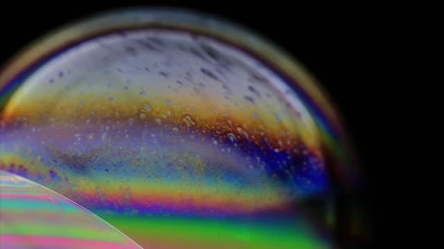 vídeos de stock, filmes e b-roll de bolhas - reflexo efeito de luz