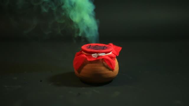 Bubbling Cauldron (Halloween)