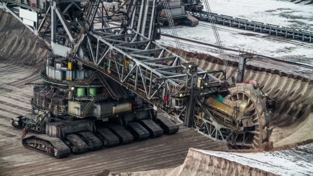bucket wheel excavator in coal mine - open cast mine stock videos & royalty-free footage