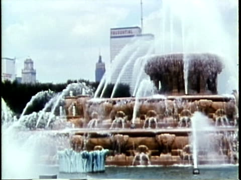 1963 ms buckingham fountain in grant park / chicago, united states / audio - buckingham fountain stock videos & royalty-free footage