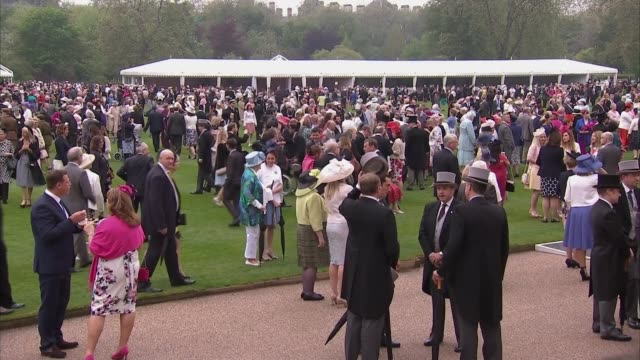 buckingham palace garden party/ queen criticises chinese officials for being 'rude'; 10.5.2016 england: london: buckingham palace: ext various shots... - disrespect stock videos & royalty-free footage