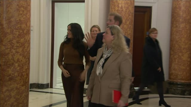 buckingham palace working at pace to clarify future role of the duke and duchess of sussex uk london westminster canada house meghan duchess of... - canada house stock videos and b-roll footage