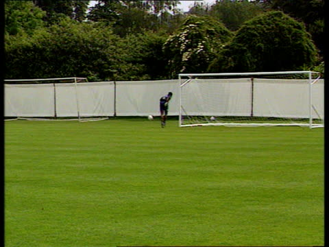 Bucks Bisham Abbey EXT SEQ England squad training LMS Paul Gascoigne David Beasant along MS Terry Lloyd i/c SOT