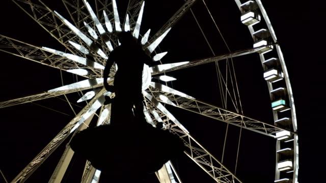vidéos et rushes de oeil de budapest la nuit - format hd