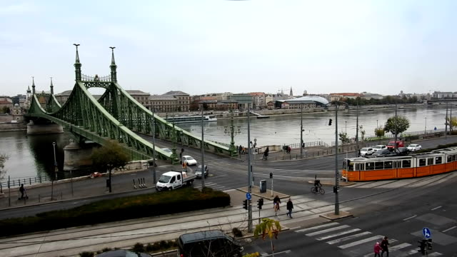 budapest, freedom bridge, road intersection - traditionally hungarian stock videos & royalty-free footage