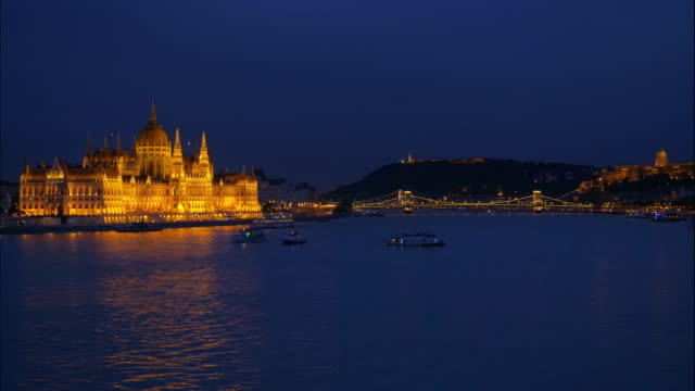 budapest hungarian parliament building at night - royal palace of buda stock videos & royalty-free footage