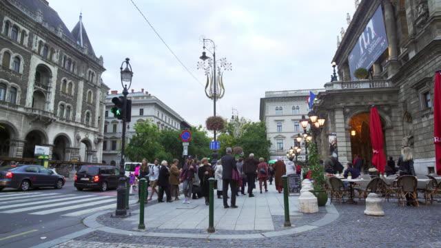 vídeos de stock e filmes b-roll de budapest hungarian state opera in andrássy út - cultura da europa de leste