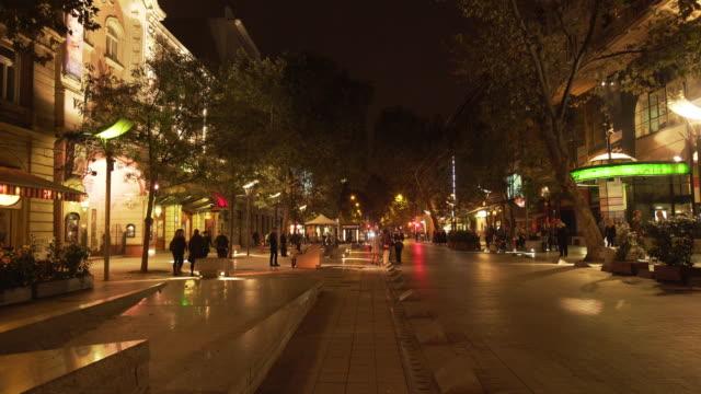 Budapest Nagymező Utca gata scenen på natten