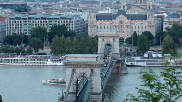 ブダペスト - 鎖橋点の映像素材/bロール