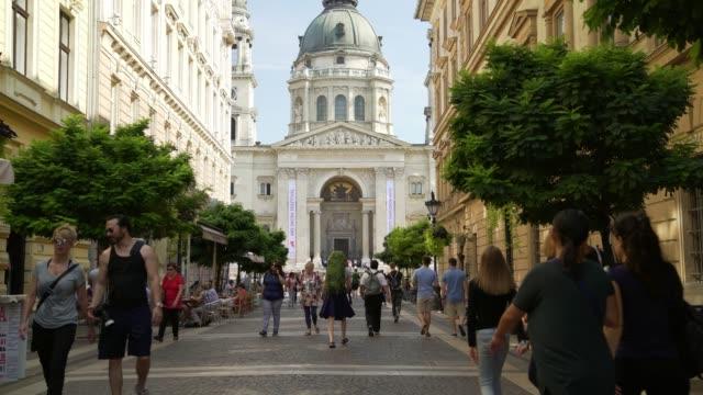 budapest zrínyi utca and st. stephen's basilica - budapest video stock e b–roll