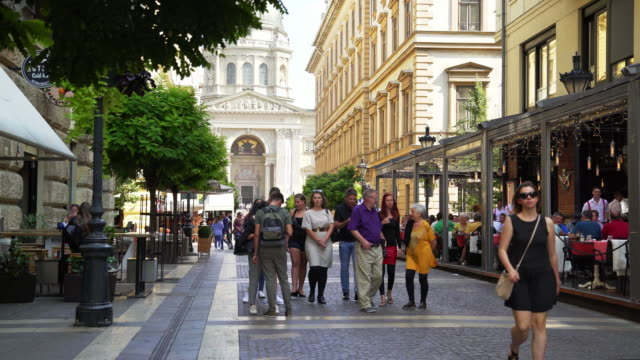 budapest zrínyi utca and st. stephen's basilica - pavement cafe stock videos & royalty-free footage