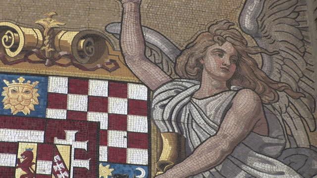 vidéos et rushes de budapestclose view of mosaic art in budapest hungary - culture hongroise