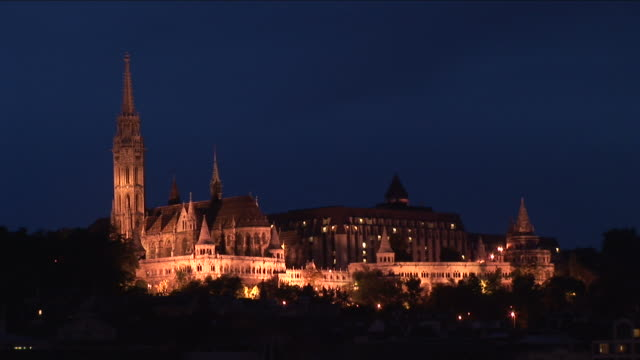 budapestnight view of matthias church in budapest hungary - traditionally hungarian stock videos & royalty-free footage