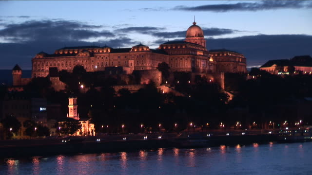 stockvideo's en b-roll-footage met budapestroyal palace in budapest hungary - traditionally hungarian