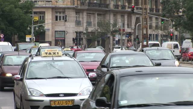 vidéos et rushes de budapestview of a city in budapest hungary - culture hongroise