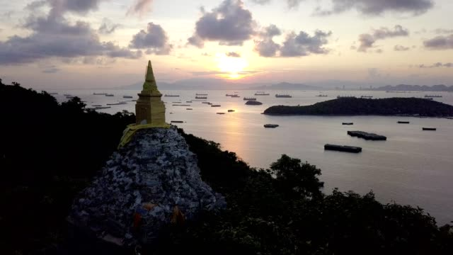 buddha footprint view point at sichang island is located in the middle of the gulf of thailand. - golf von thailand stock-videos und b-roll-filmmaterial