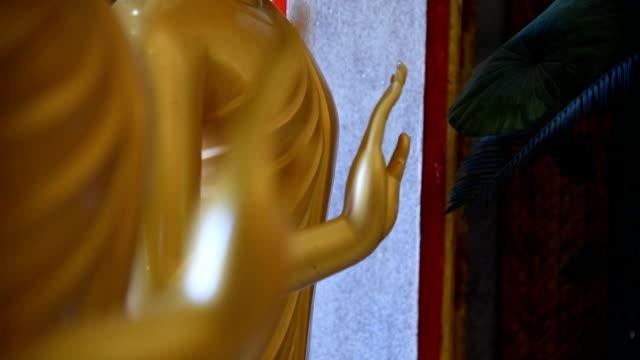お寺で仏の手。 - 女神点の映像素材/bロール