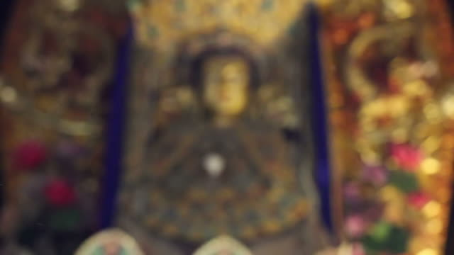 stockvideo's en b-roll-footage met r/f buddha statue in chinese temple/xian,shaanxi,china - infaden