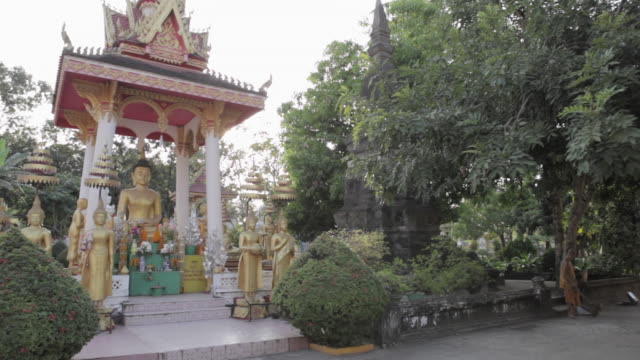 143 Buddha Garden Statues Videos And Hd Footage Getty Images