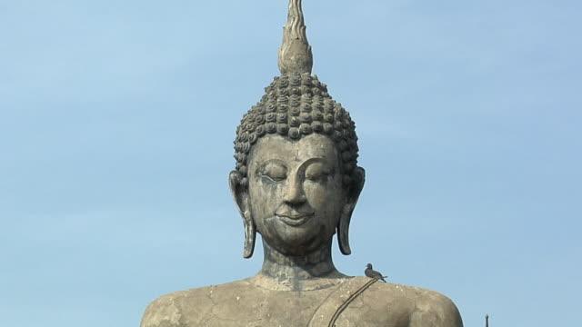 CU ZO WS Buddha Statues at Ruins of Wat Mahathat at Historical Park of old Sukhothai, Thailand