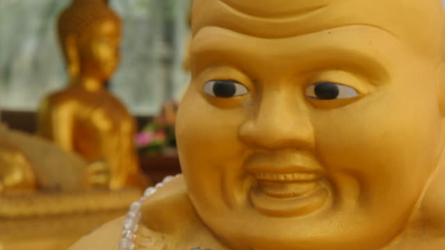 buddhas at wat samphanthawong, bangkok, thailand, southeast asia, asia - male likeness stock videos & royalty-free footage