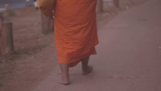 buddhist monk walking - monk stock videos & royalty-free footage