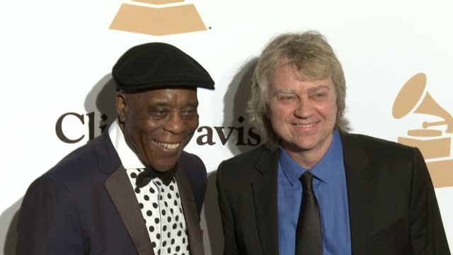 stockvideo's en b-roll-footage met buddy guy and tom hambridge at the 2016 pregrammy gala and salute to industry icons honoring irving azoff at the beverly hilton hotel on february 14... - irving azoff