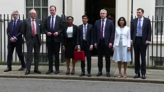 chancellor outlines spending plans in face of coronavirus threat england london westminster downing street ext rishi sunak mp departing number 11... - 中央銀行点の映像素材/bロール